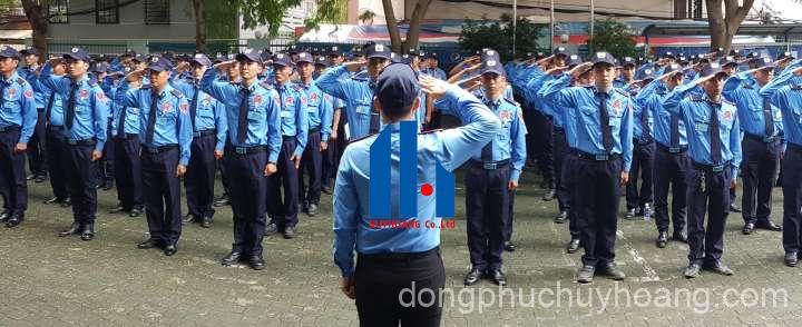 may đồng phục vệ sĩ